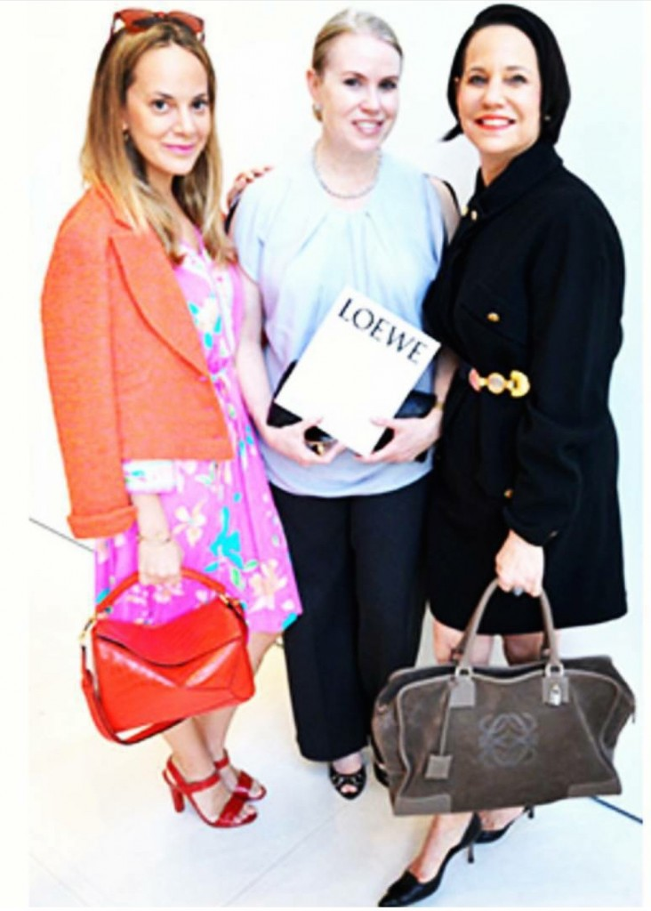 Maria (Center), my hot mom Dale in her Vintage Loewe bag, and Moi.